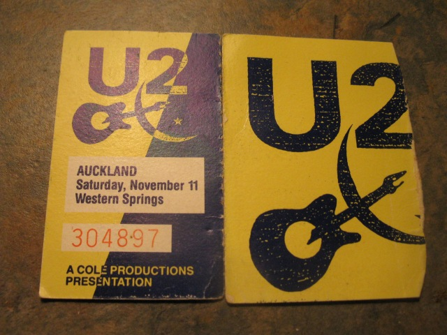 U2 live in Auckland, November 11, 1989