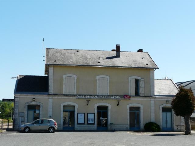 Quiet times in Condat-Le-Lardin