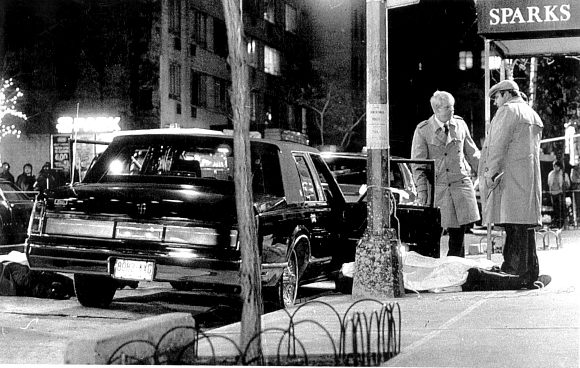 Shooting of Paul Castellano outside Sparks Steak House, 1985