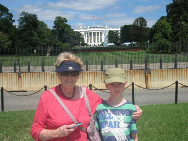 White House - Mum and Sam