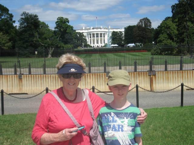 White House - Mum and Sam